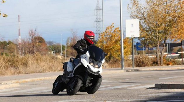 Try Quadro4: the four-wheeled motorcycle SUV for the B-card