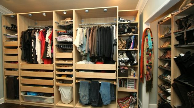 How to decorate closet for bedrooms and youth rooms